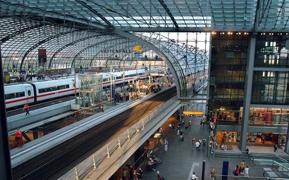 Fond d'écran Gare ferroviaire, train, personnes
