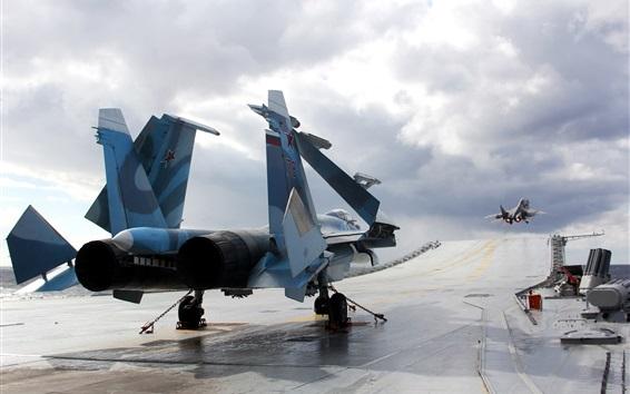 Papéis de Parede Descolagem de lutador Su-33, nuvens