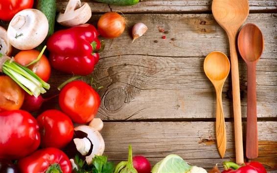 Fond d'écran Légumes, champignons, poivrons, tomates, cuillères, panneaux de bois
