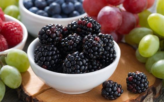 Fondos de pantalla Moras, uvas, cuenco, fruta