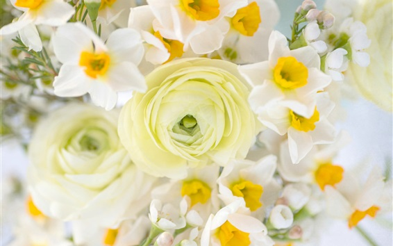 Wallpaper Bouquet, daffodils and ranunculus flowers