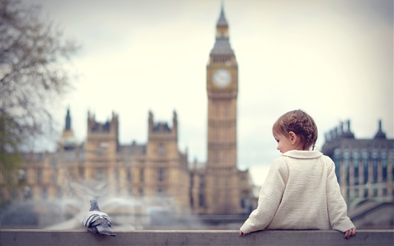壁纸 可爱的小女孩和鸽子,伦敦