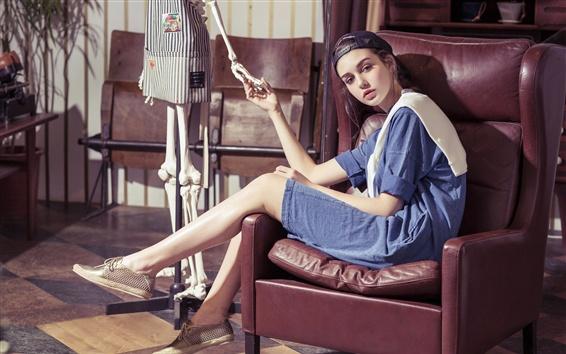 Wallpaper Girl sit on chair, model