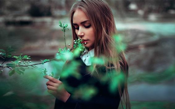 Papéis de Parede Long hair girl, primavera, galhos, flores