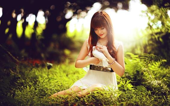 Papéis de Parede Lovely Asian girl and pigeon