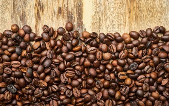 Wallpaper Many coffee beans, wood board