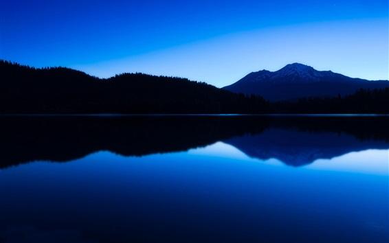 Fondos de pantalla Montañas, lago, crepúsculo, la reflexión del agua