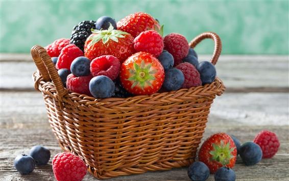 Обои Малина, клубника, черника, корзина, фрукты