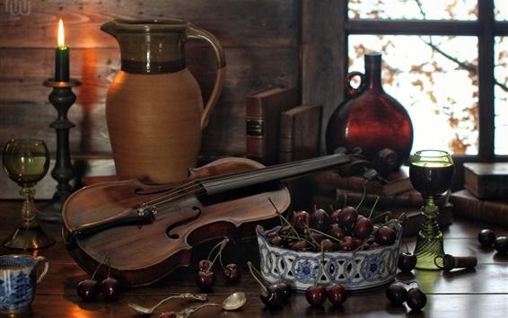 Fondos de pantalla Bodegón, botella, libros, cuchara, violín, vela, cereza