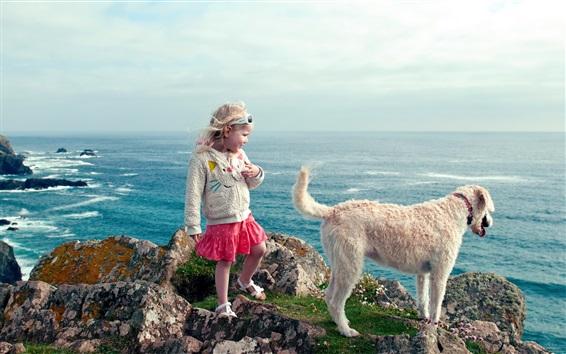 Fondos de pantalla Lindo niño niña y perro a pie en la playa