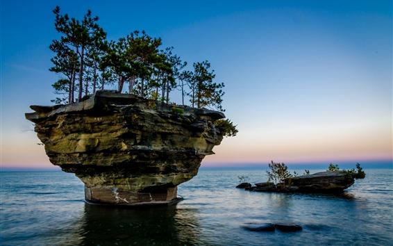 壁紙 小さな島々、木々、岩、湖