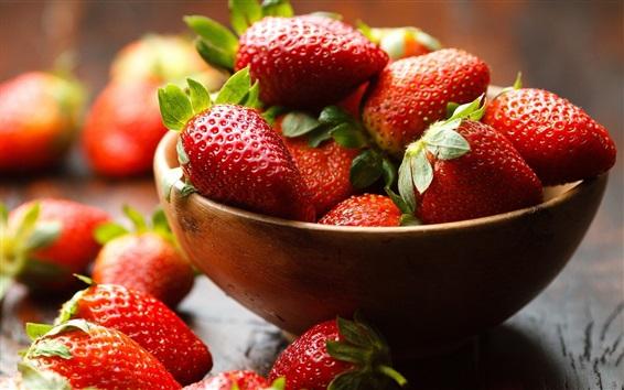 Обои Одна миска из клубники, свежих фруктов