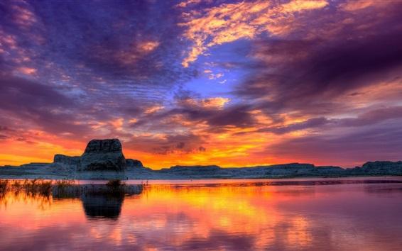 Papéis de Parede Mar, pôr do sol, montanhas, nuvens, céu vermelho