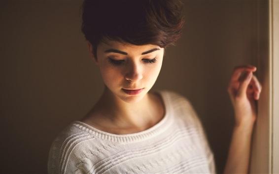 Wallpaper Short hair girl in room