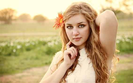 Обои Блондинка, лицо, цветок, настроение