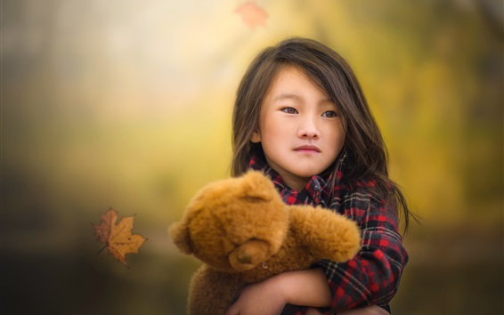 Wallpaper Chinese child girl and her toy bear