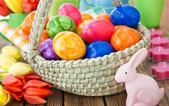 Fond d'écran Oeufs de Pâques colorés, panier, lapin, tulipes