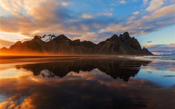 壁纸 冰岛,山,海,云,日落,水中倒影