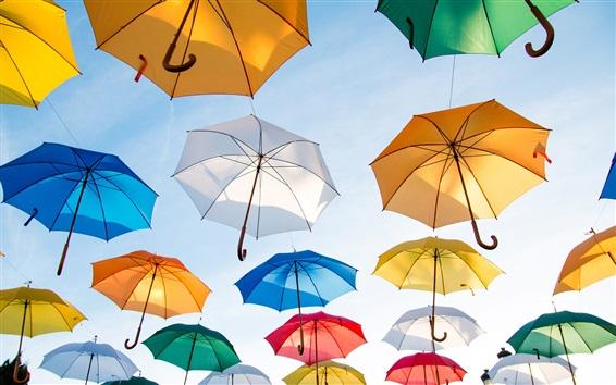 Fond d'écran Beaucoup de parapluies colorés dans le ciel