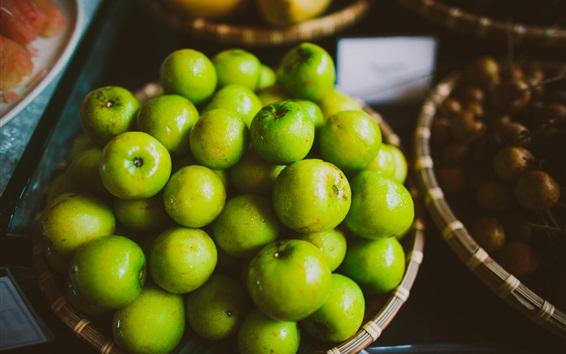 Обои Многие зеленые яблоки, капли воды