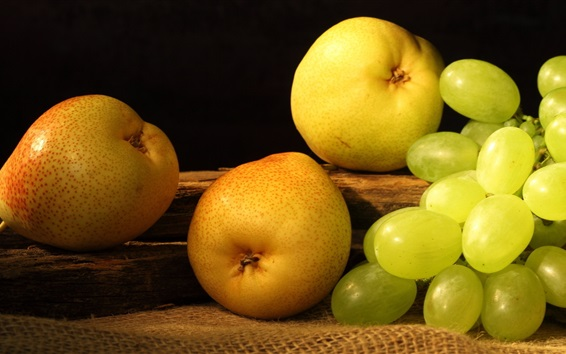 Wallpaper Pear and grapes