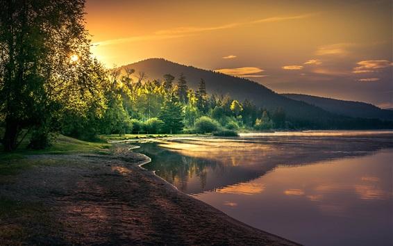 Обои Красивый пейзаж природы, озеро, деревья, солнечные лучи, рассвет