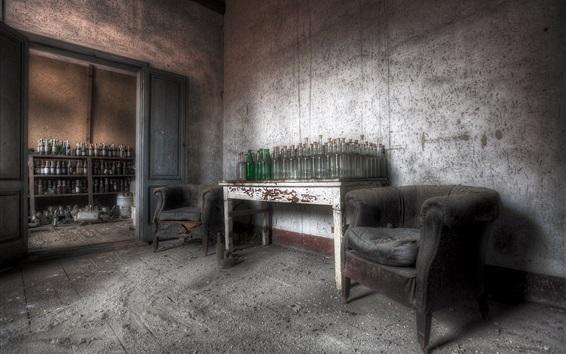Fond d'écran Chambre, bouteilles, table, poussière