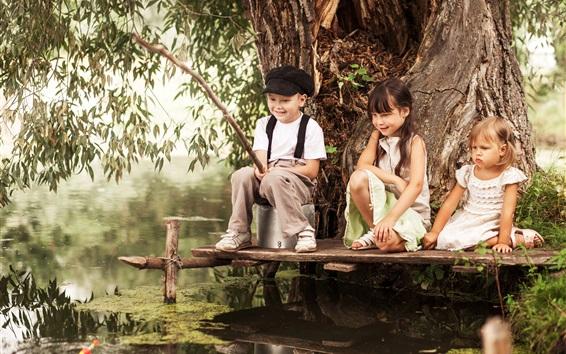 Papéis de Parede Três crianças, pesca, rio, feliz