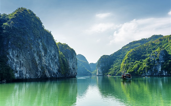 Wallpaper Vietnam, Halong Bay, sea, mountains, clouds, boat