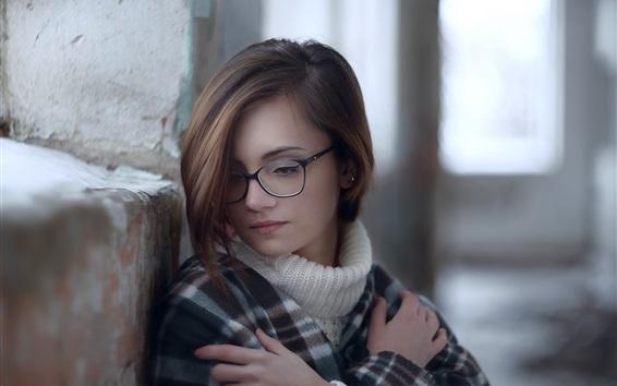 壁纸 美丽的年轻女孩,眼镜