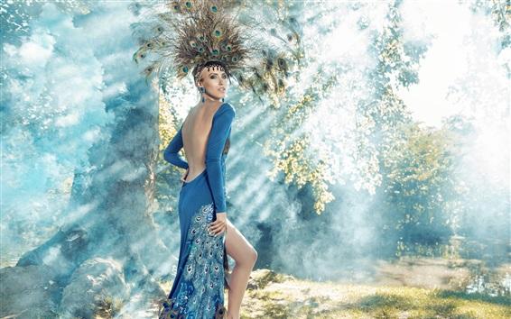 桌布 藍裙子的女孩,孔雀羽毛,森林,藝術攝影