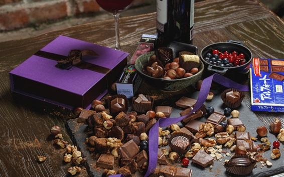 Fond d'écran Bonbons au chocolat, cadeau, vin, noix, baies