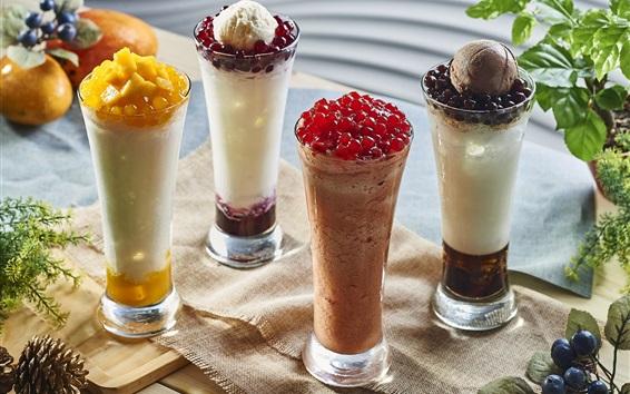 Обои Четыре стеклянных чашки фруктового мороженого