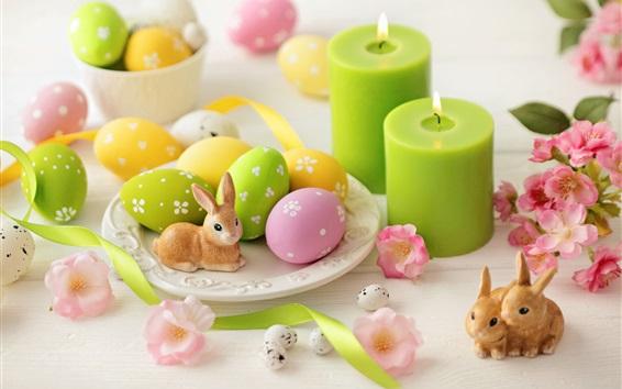 Fond d'écran Bougies vertes, oeufs colorés, fleurs, lapin, Pâques