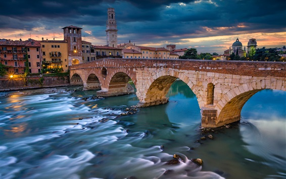 Wallpaper Italy, Verona, river, bridge, houses, clouds, dusk