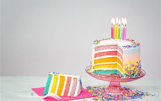 Fond d'écran Gâteau d'anniversaire de couleurs arc-en-ciel, bougies, flamme