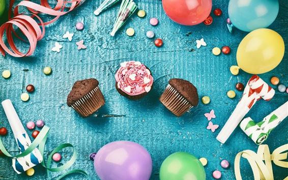 Обои Кексы, разноцветные воздушные шары, ленты