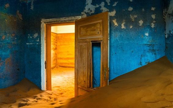 Wallpaper House, sands, door