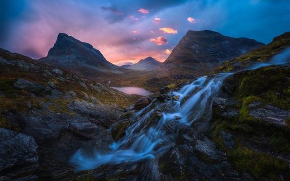 Papéis de Parede Montanhas, rochas, córrego, água, nuvens