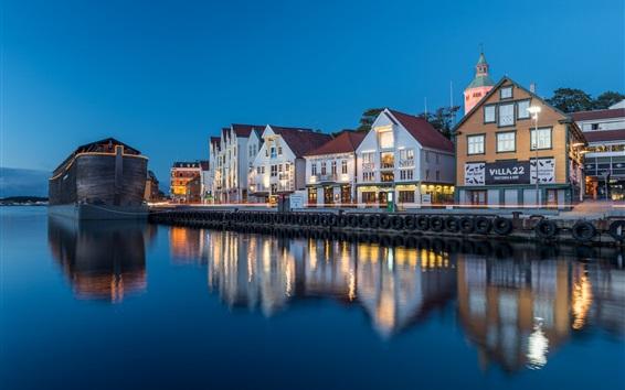 Fond d'écran Norvège, Stavanger, Rogaland, maisons, rivière, lumières, soirée