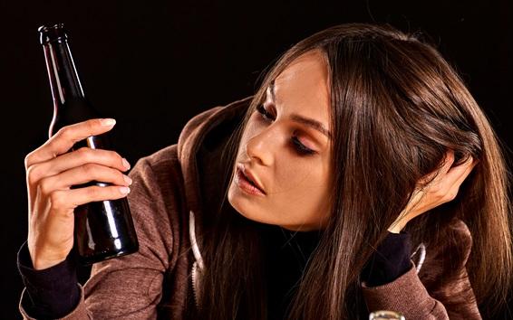 Papéis de Parede Tristeza garota, cabelo castanho, garrafa