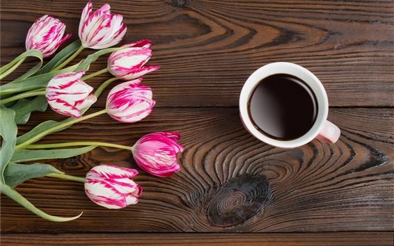 Papéis de Parede Tulipas, café, mesa de madeira