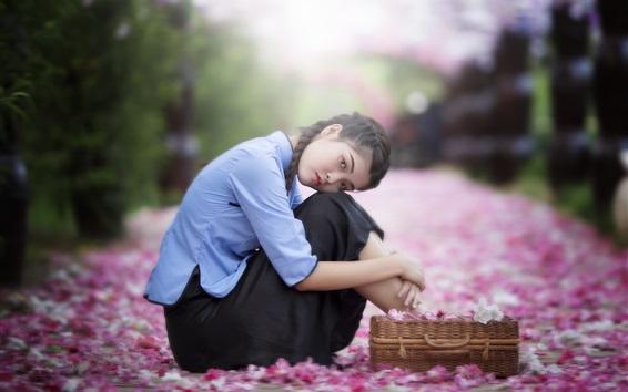 壁纸 年轻的中国女孩,复古风格,鲜花