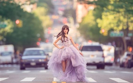 Fondos de pantalla Niña de moda, hermosa falda, carretera, coches