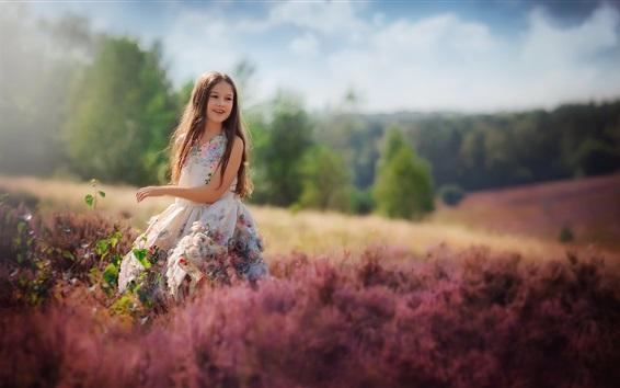壁紙 幸せな子供の女の子、花、スカート、夏