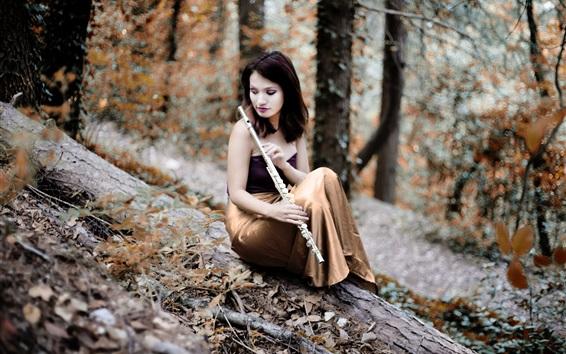Fond d'écran Fille jouer de la flûte, forêt
