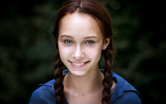 Papéis de Parede Menina de sorriso, trança, bokeh