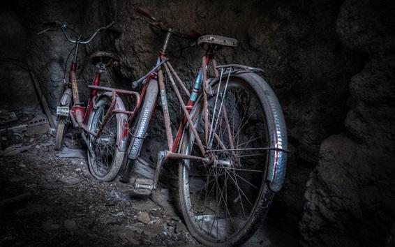 Fond d'écran Des vélos, de la poussière