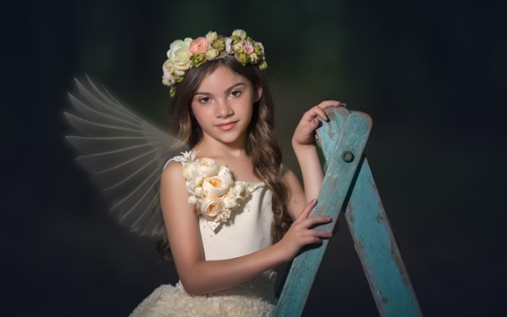 Fond d'écran Mignonne petite fille cheveux bouclés, fleurs, couronne, ailes, ange