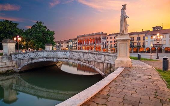 壁紙 イタリア、パドヴァ、広場プラートデッラヴァッレ、遊歩道、像、川、橋